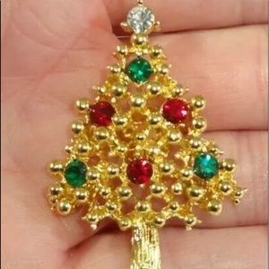 VINTAGE AVON Red Green Clear Rhinestone  Tree Pin
